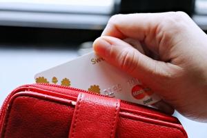風俗嬢でも審査が通るクレジットカードとは?通らないときの対処法