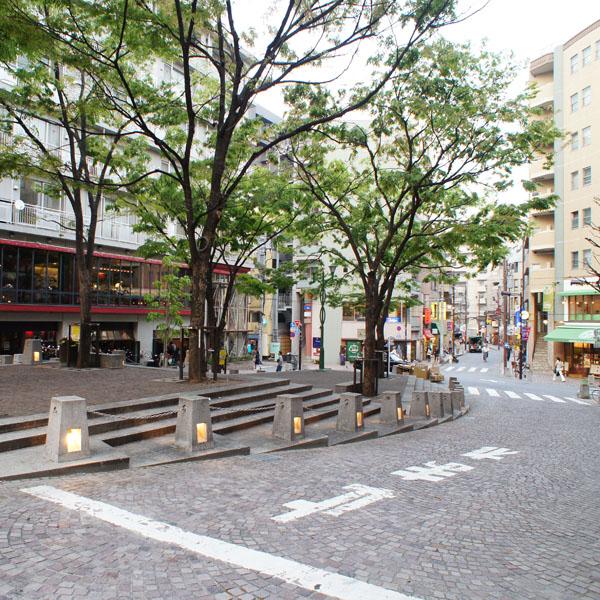 LEON_店舗イメージ写真1